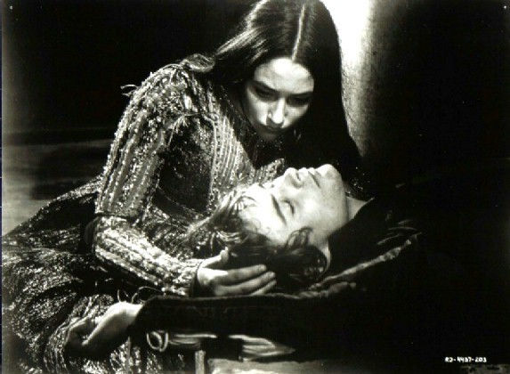 Stills-romeo-and-juliet-1968_2
